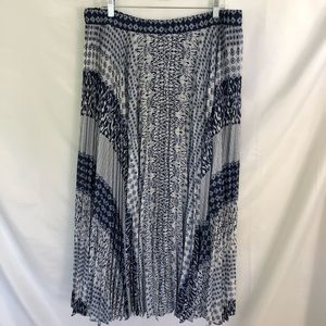 CHICO'S Blue Pleated Geo Maxi Skirt Size 3 Plus